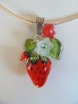 collier fraises,fraises rouges,bijoux fraises,bijoux fantaisie,fraises,bijoux en pâte polymère,fraises en pâte polymère